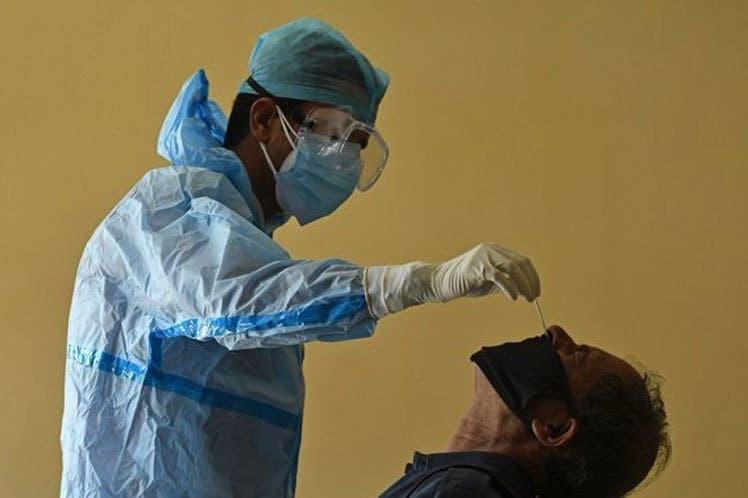 Positividad diaria se coloca en 19.49%; reportan 341 nuevos contagios de coronavirus