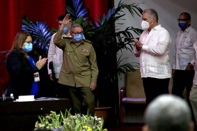 """Raúl Castro anunció su retiro como jefe del Partido Comunista de Cuba y propuso un """"diálogo respetuoso"""" con EE.UU."""