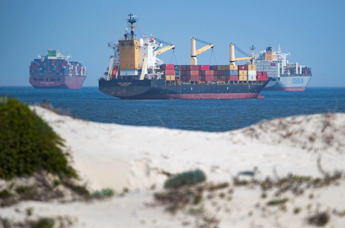 Susto momentáneo por fallo en  motor de un petrolero cuando cruzaba el canal de Suez