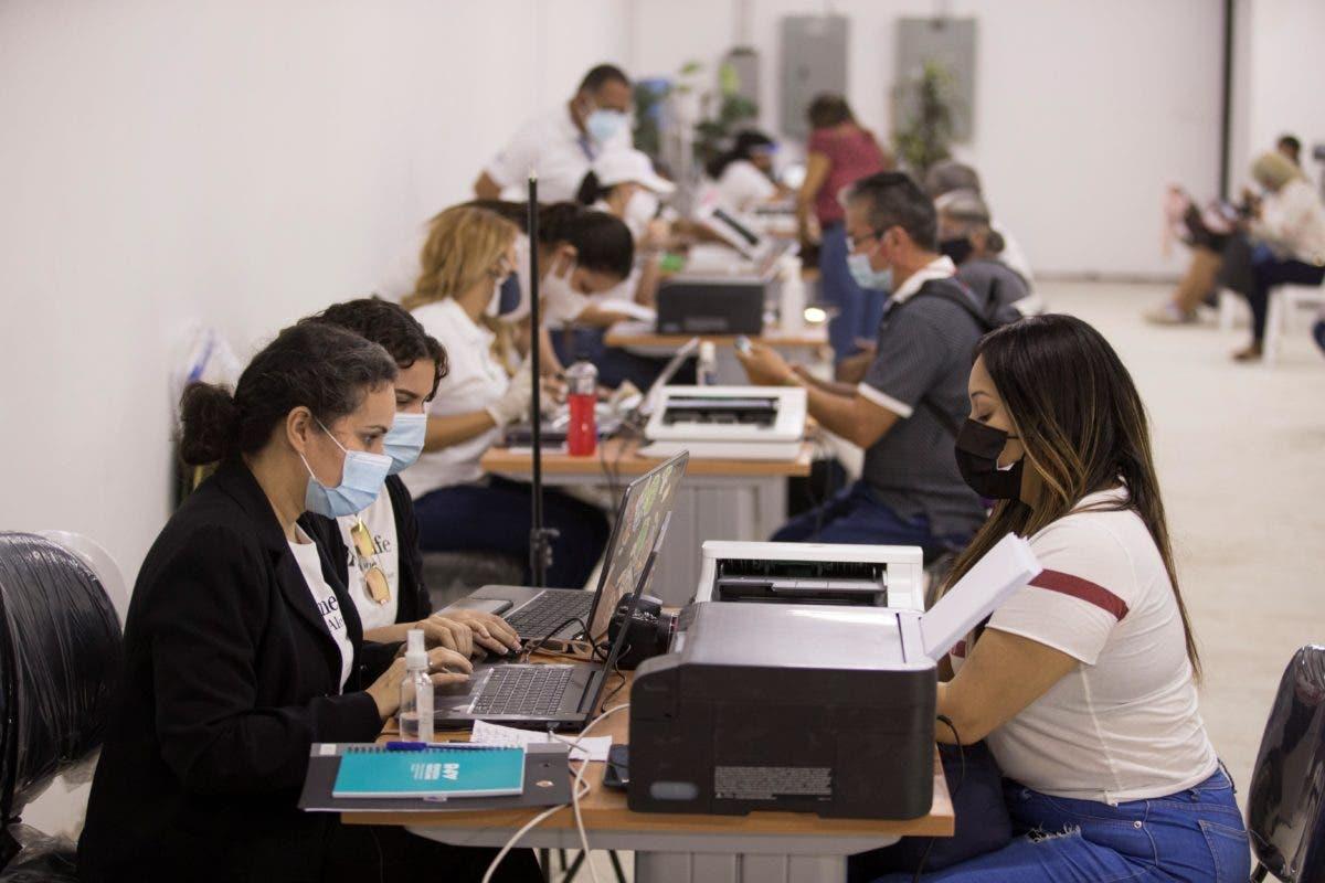 Abren oficinas para facilitar a venezolanos su regularización en RD
