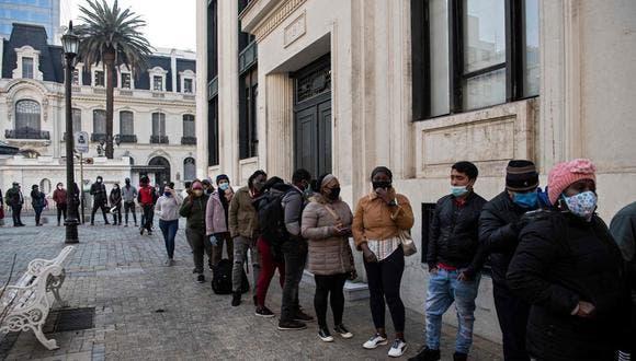 Un nuevo retiro de pensiones avanza en Chile pese a la negativa del Gobierno