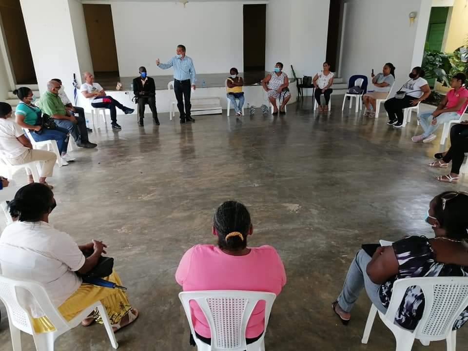 Fidel Santana: Es al Defensor del Pueblo que la ley le impide ser partidario, no a los postulantes