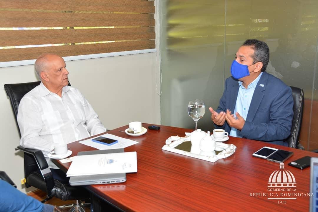 ITLA e IAD trabajaran juntos para digitalización títulos de parceleros del país