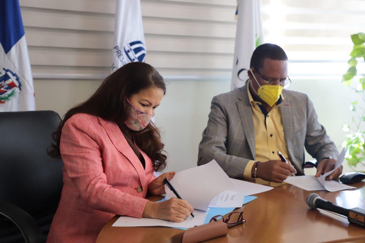 Pro Consumidor y ADESS firman acuerdo garantiza derechos beneficiarios subsidios sociales