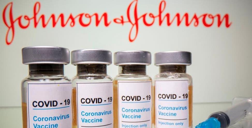 Johnson & Johnson retrasará el reparto de su vacuna a Europa tras suspensión en EEUU