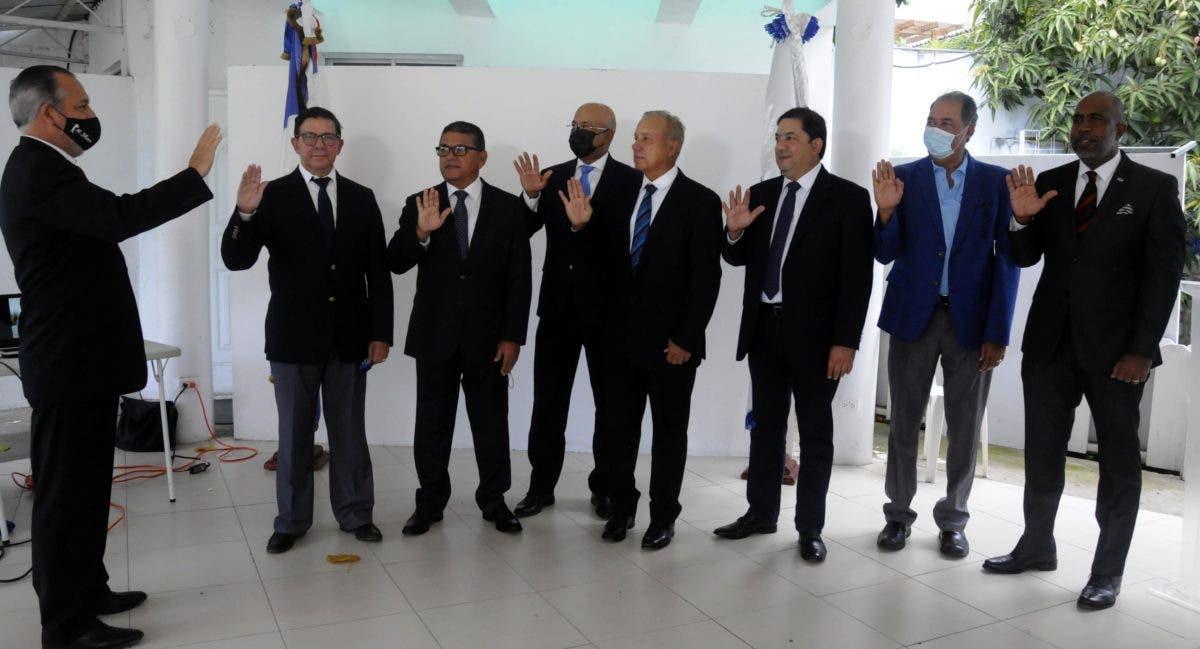 Félix Escaño traza planes al asumir la directiva del Golf Naqueño