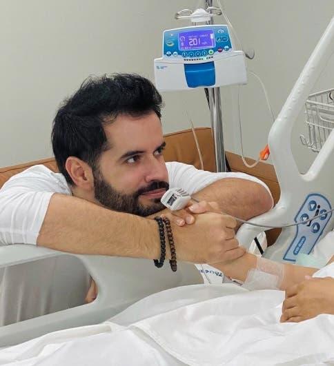 Manny cruz se muestra optimista al celebrar su cumpleaños junto a su esposa Yeri Peguero