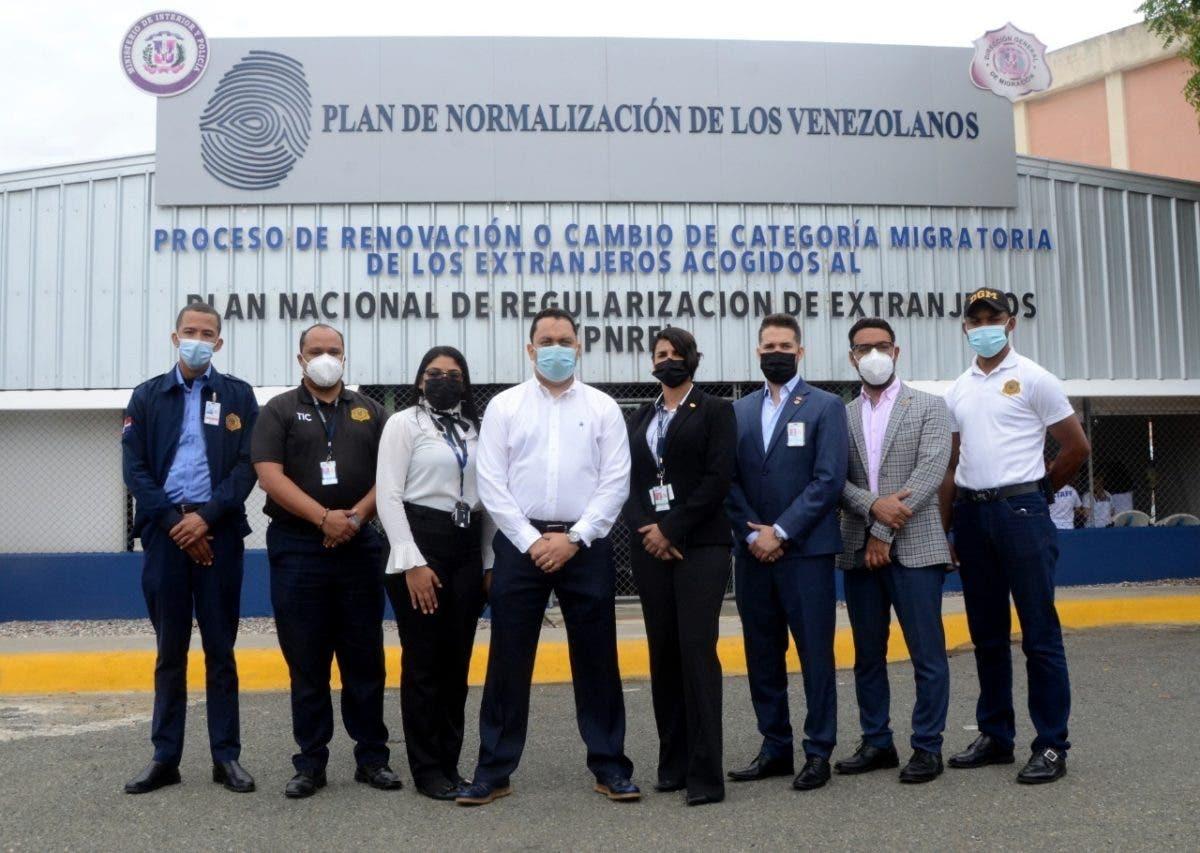 Migración inicia regularización de venezolanos en RD