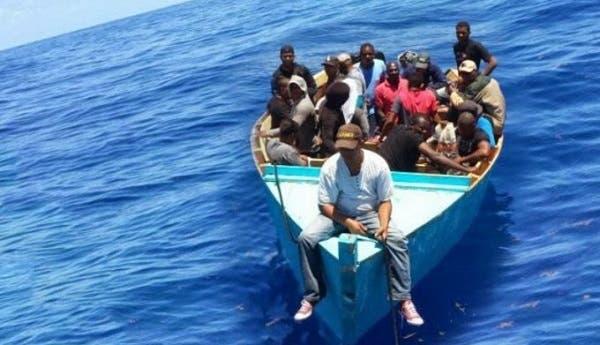 Repatrían a 12 dominicanos y 3 haitianos tras intentar llegar a Puerto Rico