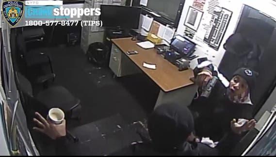 Policía NY ofrece 2,500 dólares por información asalto garaje en Alto Manhattan