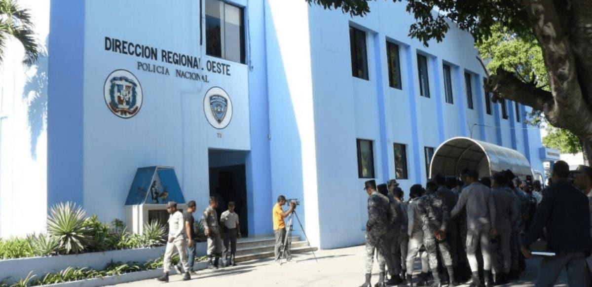 Agentes policiales apresan    distribuidor de drogas