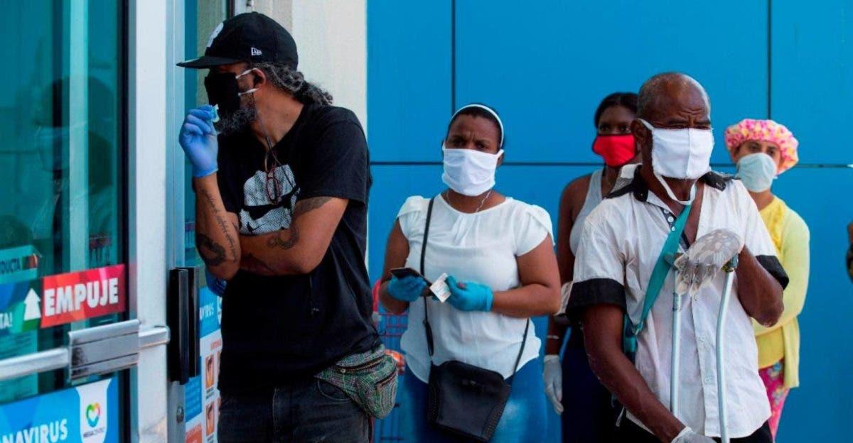 Hoy se cumple un año de haberse establecido el uso obligatorio de mascarillas en el país