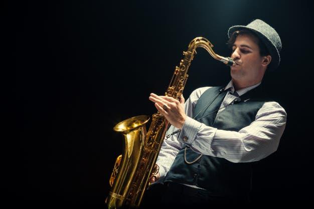 Hace 180 años sonó el primer saxofón