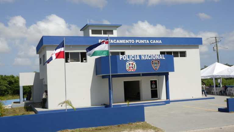 Policía Nacional detiene 18 taxistas por alterar orden público en Punta Cana