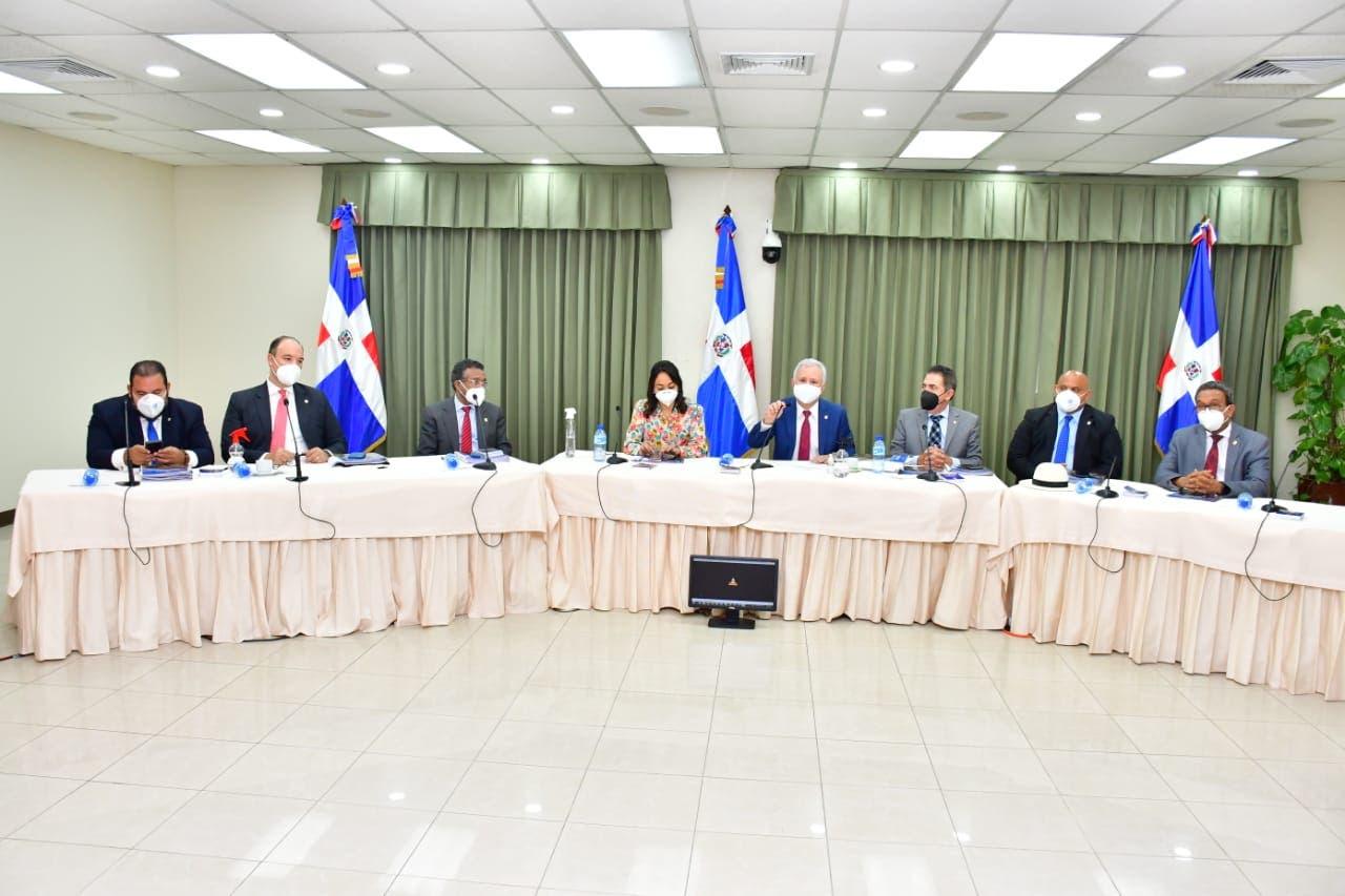 Comisión Especial del Senado concluye entrevistas a aspirantes a la Cámara de Cuentas