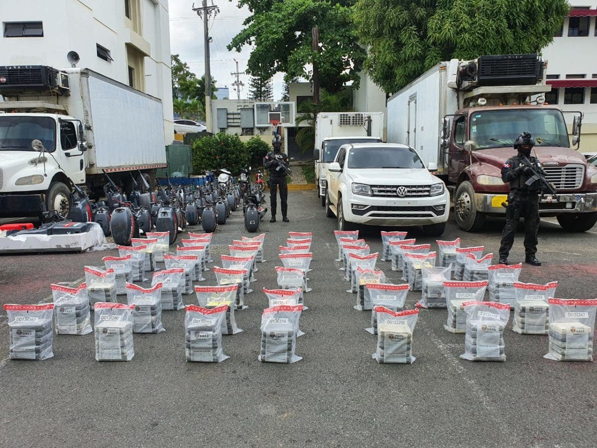 Decomisan 240 paquetes de cocaína e incautan propiedad en Hato Mayor