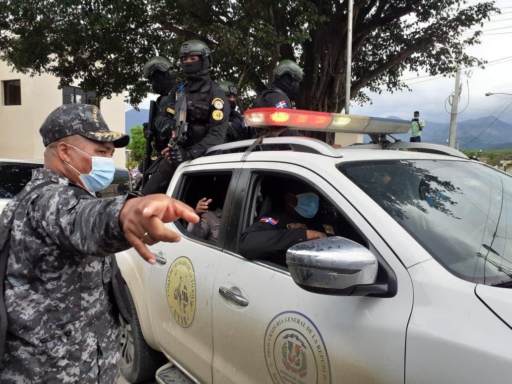 Caso Villa Altagracia: 4 de los policías van a Cárcel El Pinito y dos al Centro de Operaciones Especiales