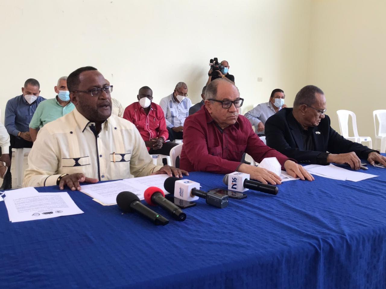 Centrales sindicales deploran cancelaciones de empleados públicos