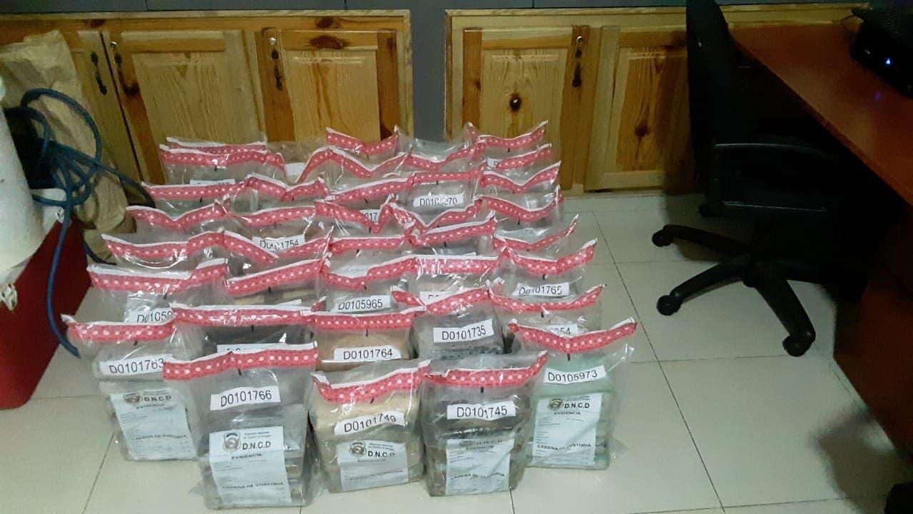 Decomisan 7 sacos de nylon con 232 paquetes de cocaína próximo a costas de El Seibo