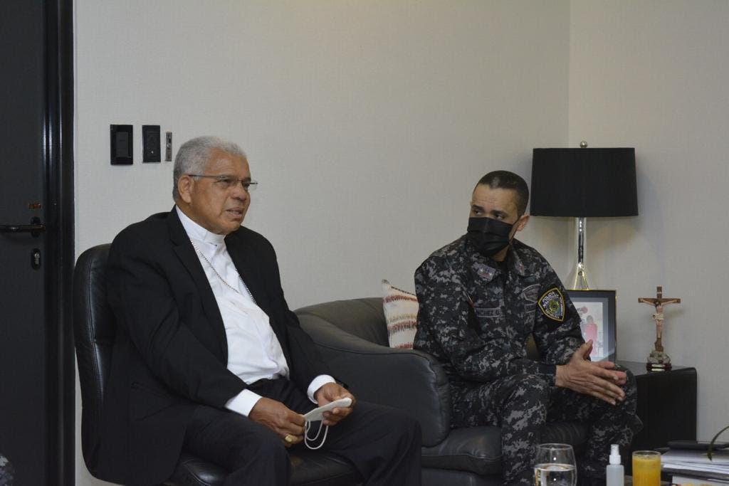 Director de la PN se reúne con monseñor Francisco Ozoria
