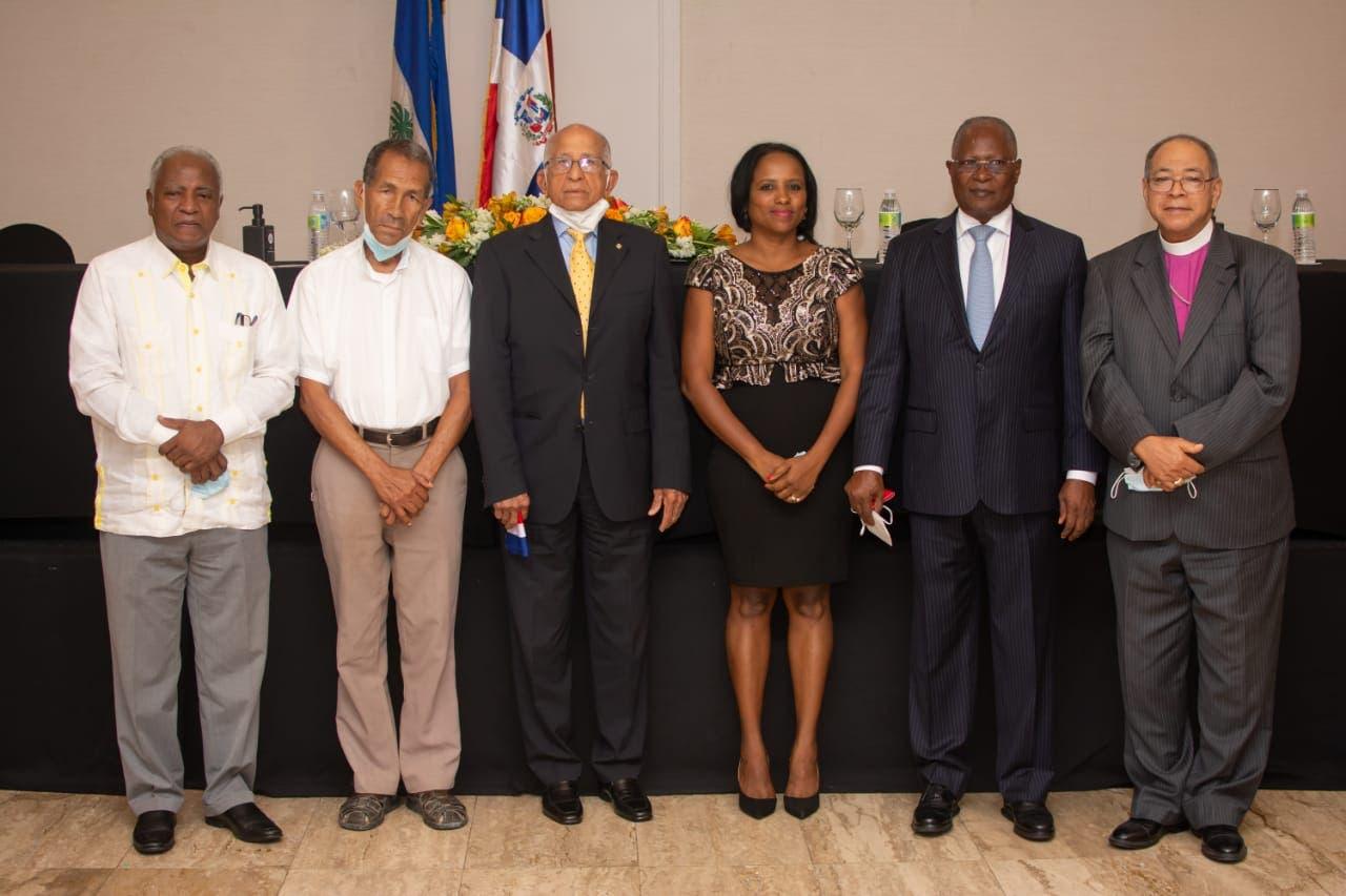 Dos expresidentes abren una jornada en procura de la fraternidad entre Haití y RD