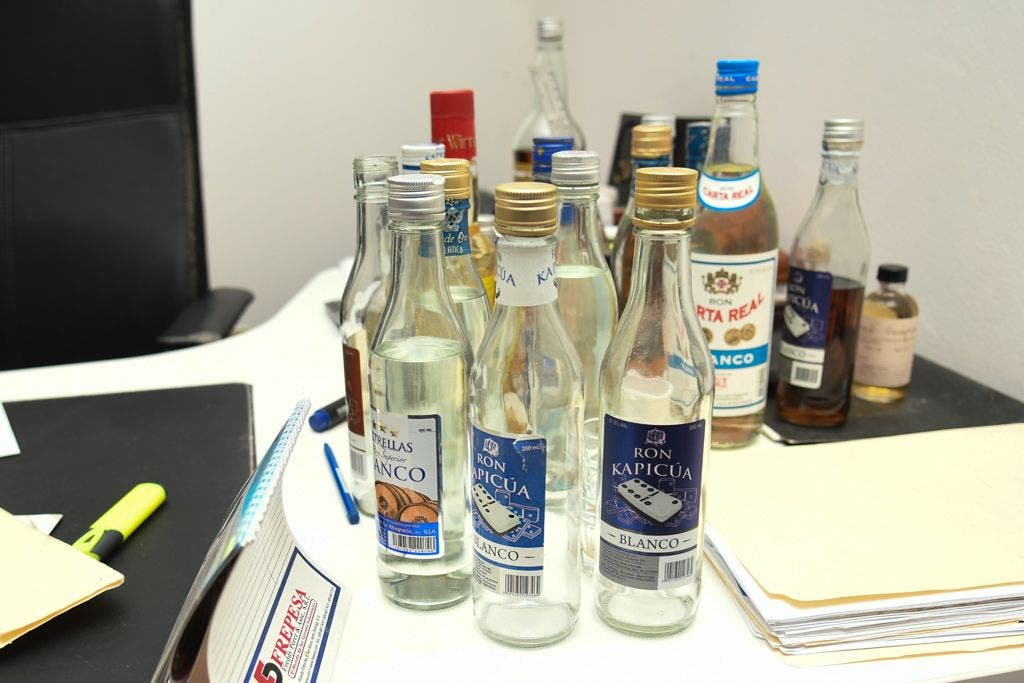 Impuestos Internos dispone cierre de empresas por venta de alcohol sin autorización