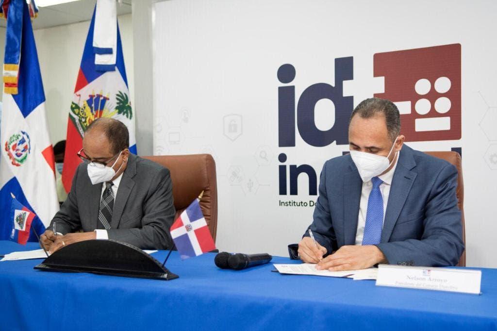 RD y Haití firman acuerdo para resolver interferencias radiofónicas y telefónicas en zona fronteriza