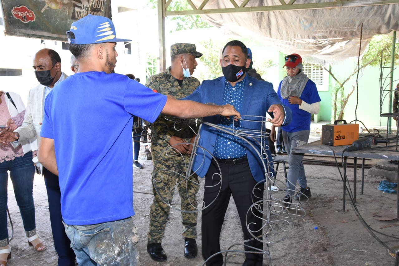 Diputados visitan cárcel en Hermanas Mirabal, comprueban respeto derechos humanos