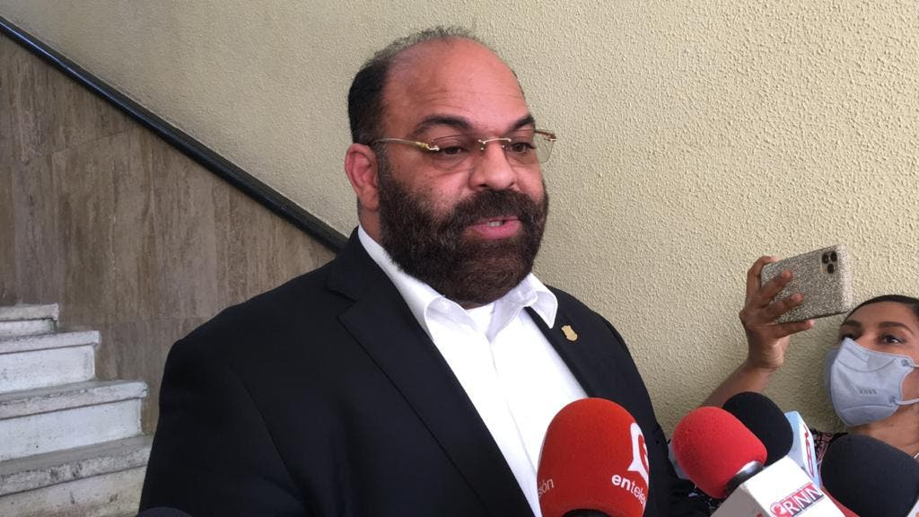 Félix Portes aclara Tokischa no tiene prohibido visitar santuarios en La Vega