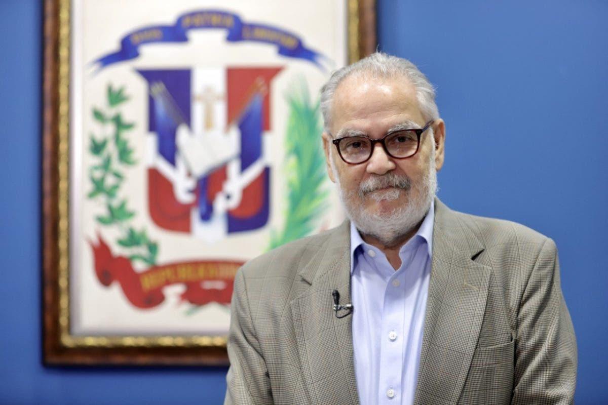 """Ministro de Economía: """"La solución a la crisis COVID-19 no está en un solo país, se necesita una salida mundial"""""""
