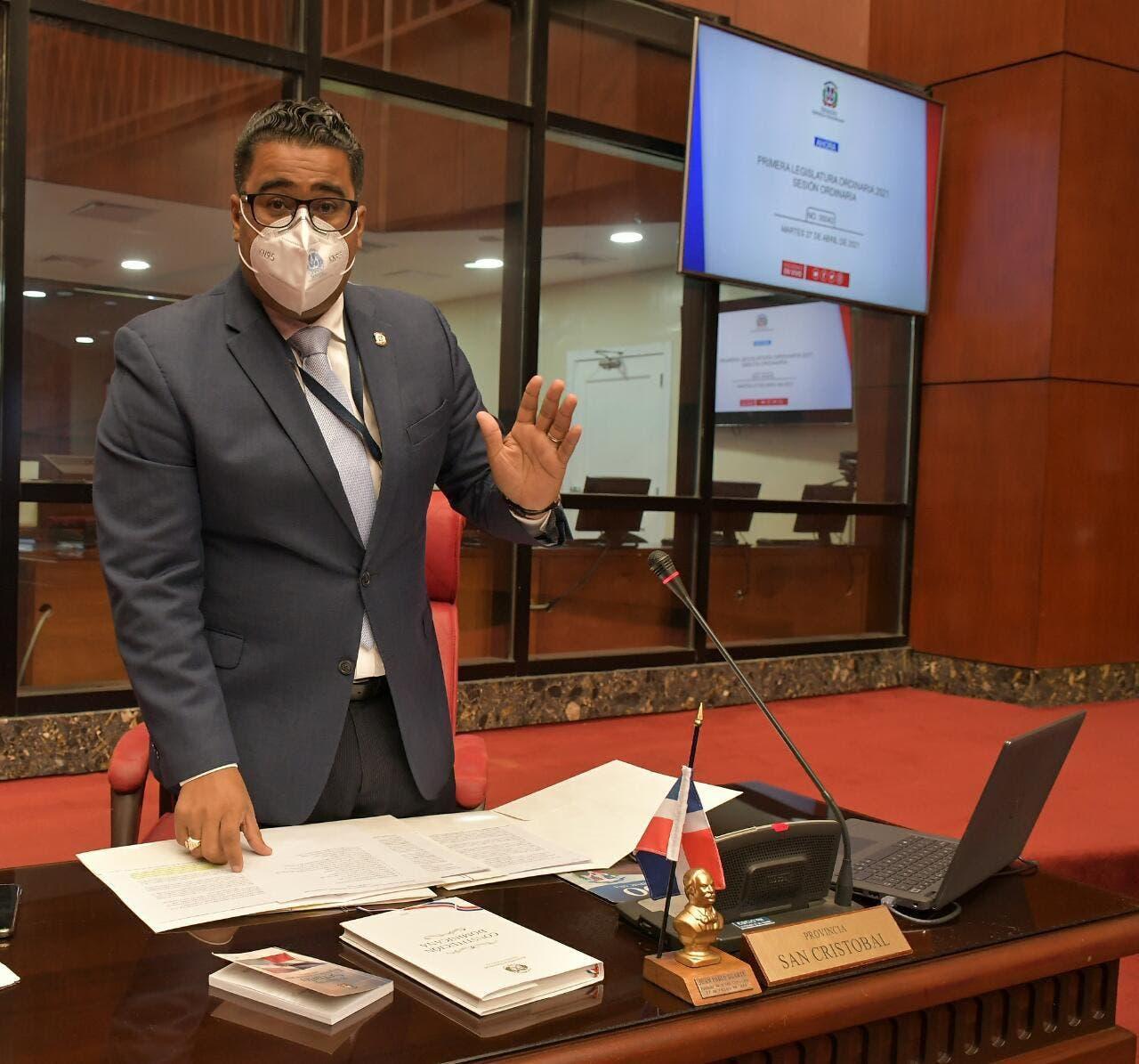 Franklin Rodríguez somete proyectos en beneficio comunidad dominicanos en el exterior