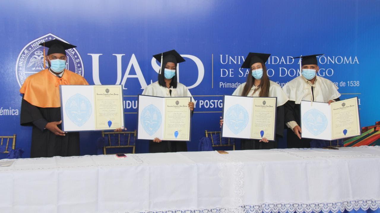UASD gradúa 2,000 profesionales de grado y postgrado