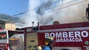 Tres familias afectadas tras incendio Jarabacoa