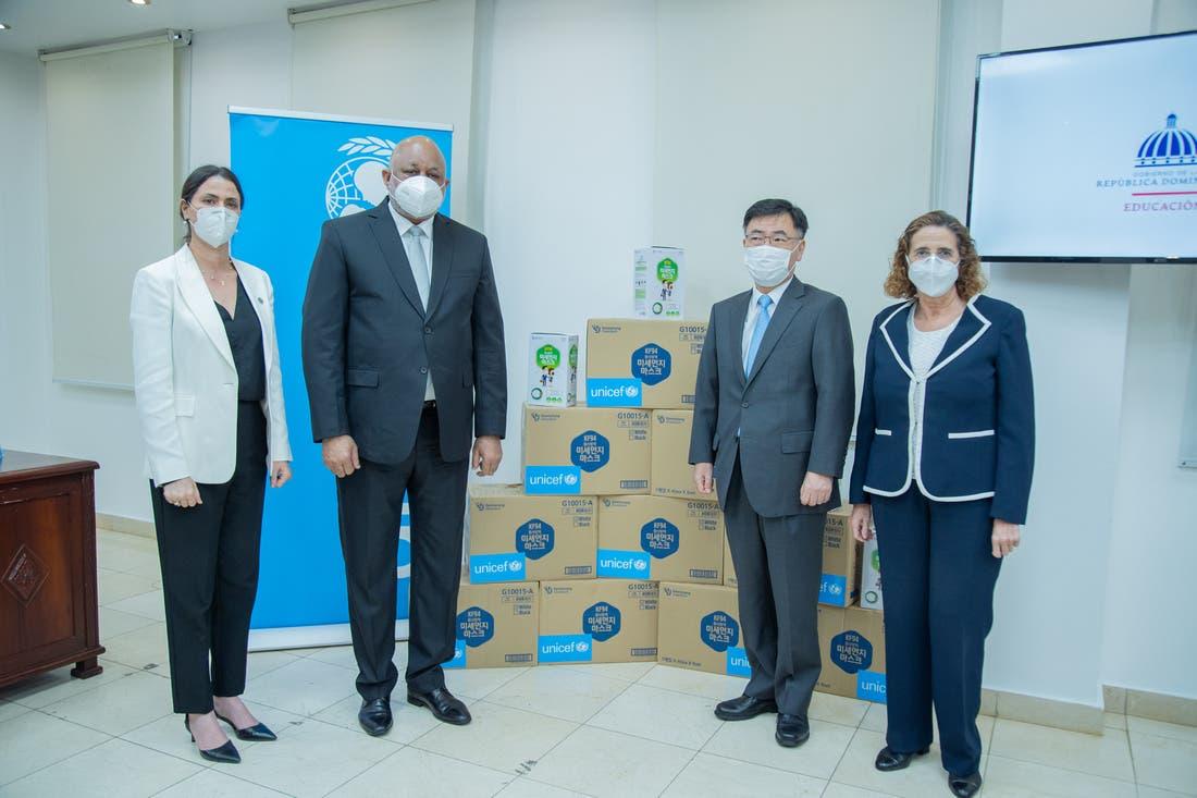 Embajada de República de Corea y UNICEF entregan 500 mil mascarillas a Gobierno dominicano