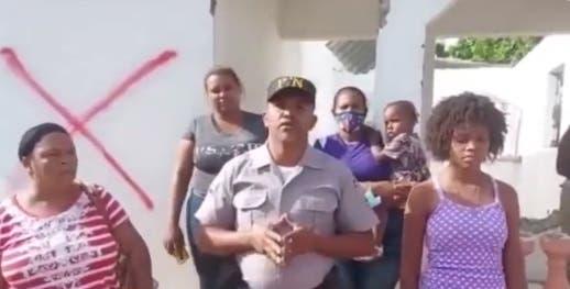 Agente policial culpa a Luis Abinader de dejarlo en la calle en supuesto desalojo
