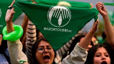 Ecuador aprueba el aborto por violación