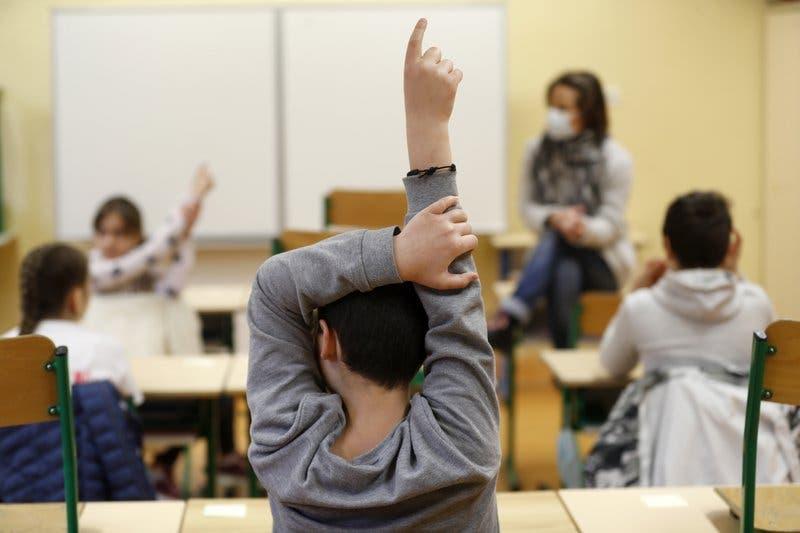 Sancionarán colegios imparten clases presenciales sin autorización