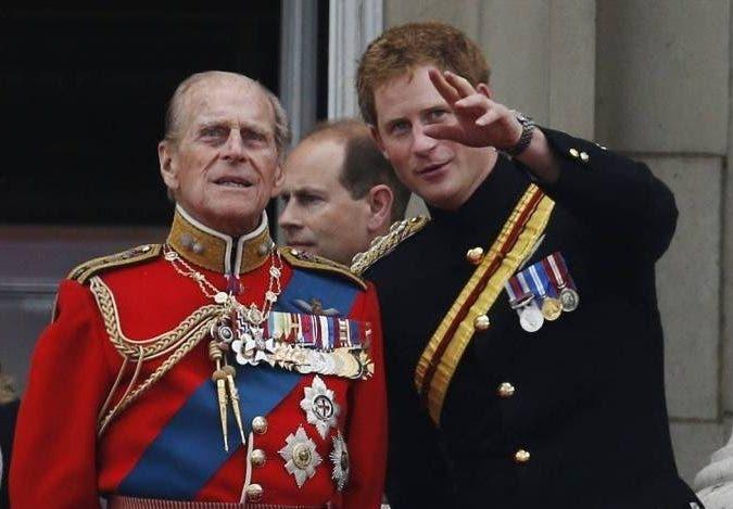 El príncipe Enrique llegó al Reino Unido para el funeral del duque de Edimburgo