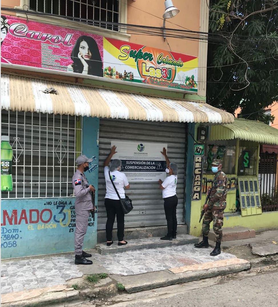 Autoridades continúan cierre de negocios por venta de bebidas alcohólicas adulteradas