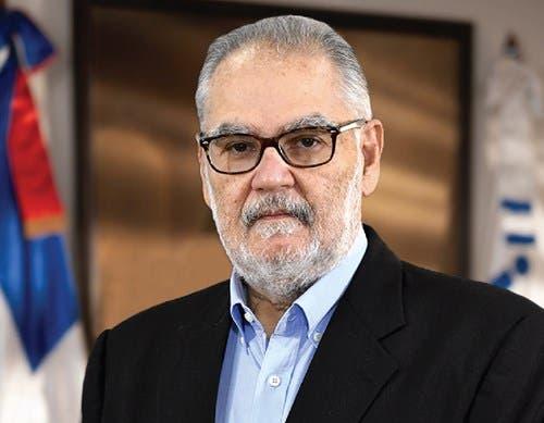 Ministro de Economía recuerda importancia de movilizaciones civiles