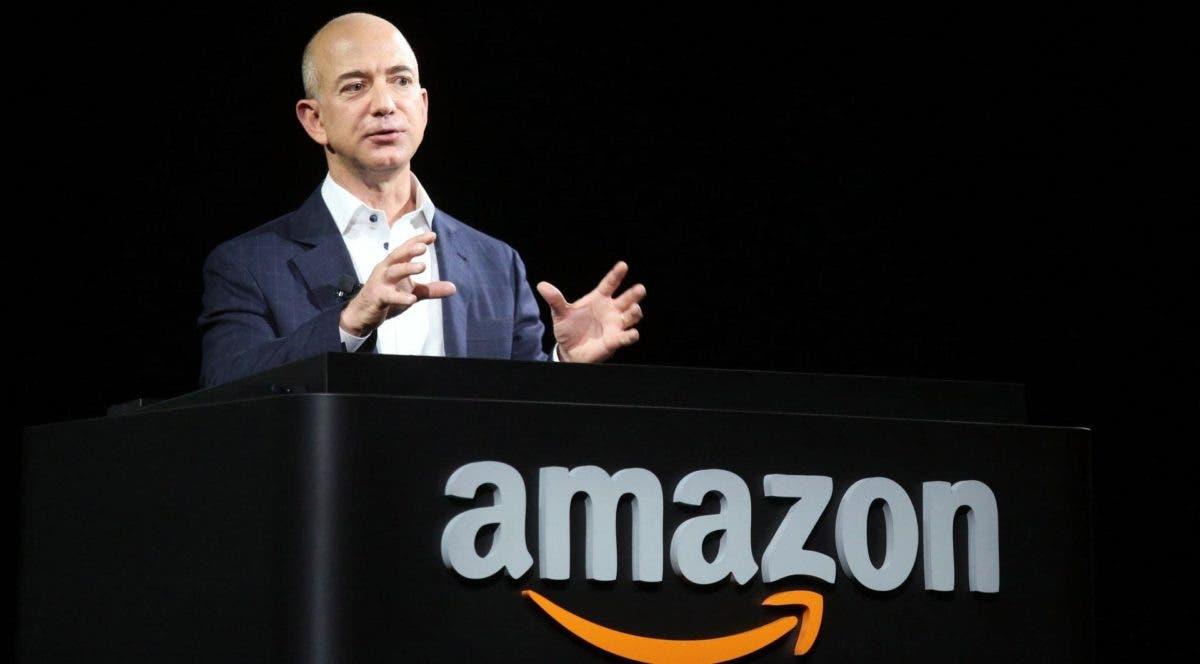 """Jeff Bezos dice que Amazon debe hacer """"un trabajo mejor"""" con sus empleados"""