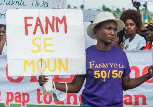 Haití: Centenares de mujeres marchan contra la supuesta dictadura de Jovenel Moise