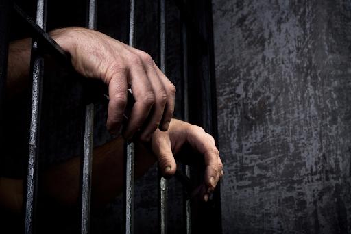 15 años de prisión a hombre por abuso sexual contra dos niñas de cinco años
