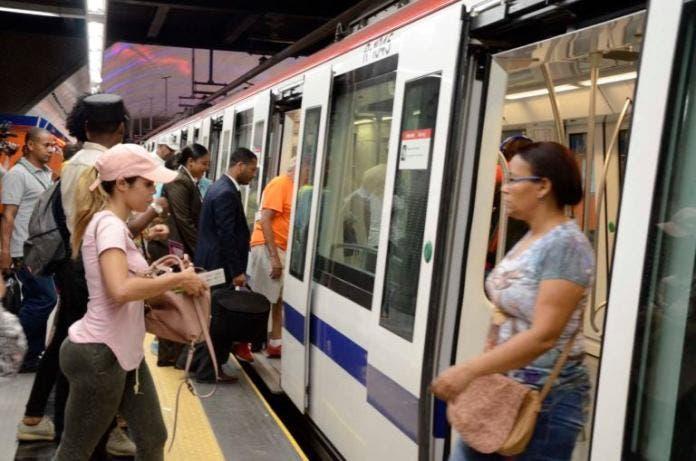 Opret: Metro y Teleférico retornan a su horario habitual