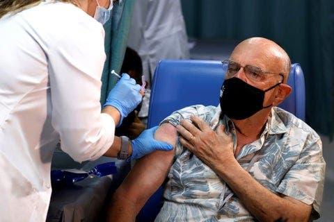 Florida retira límites de edad en la vacunación de adultos contra la covid-19