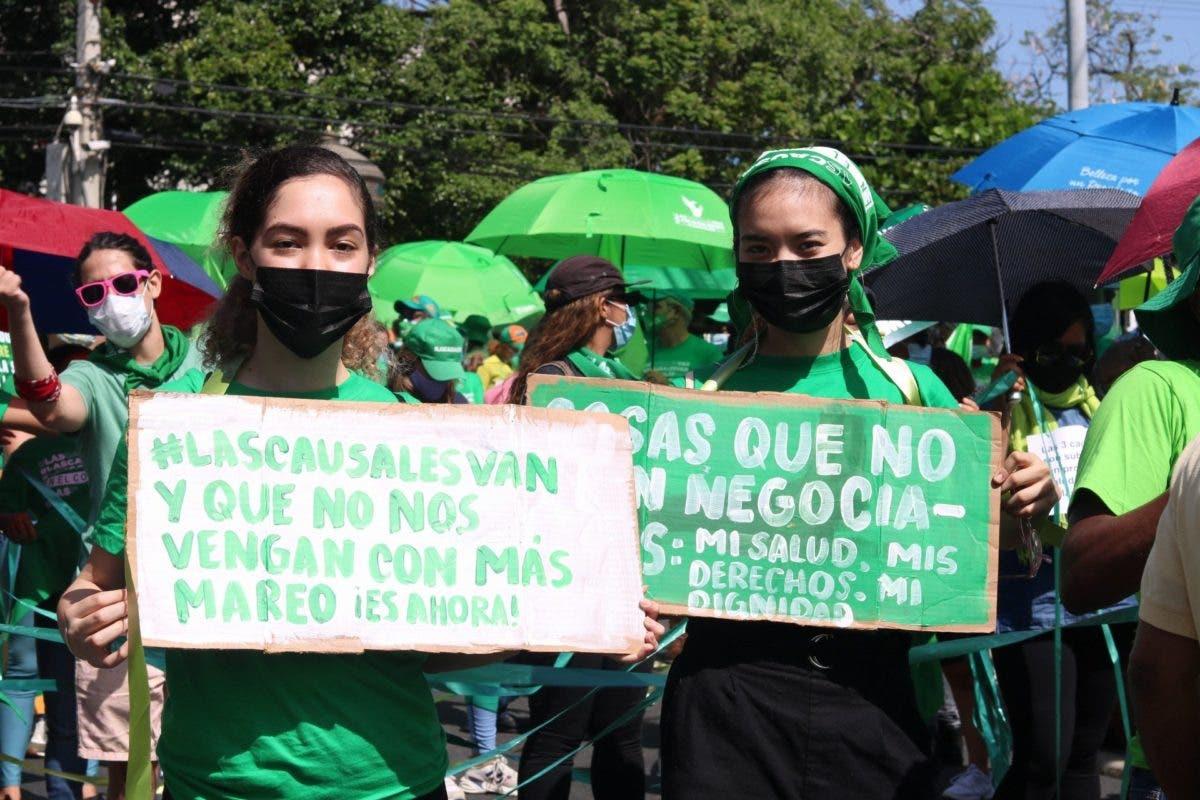 VIDEOS: Así va la marcha a favor de las tres causales del aborto