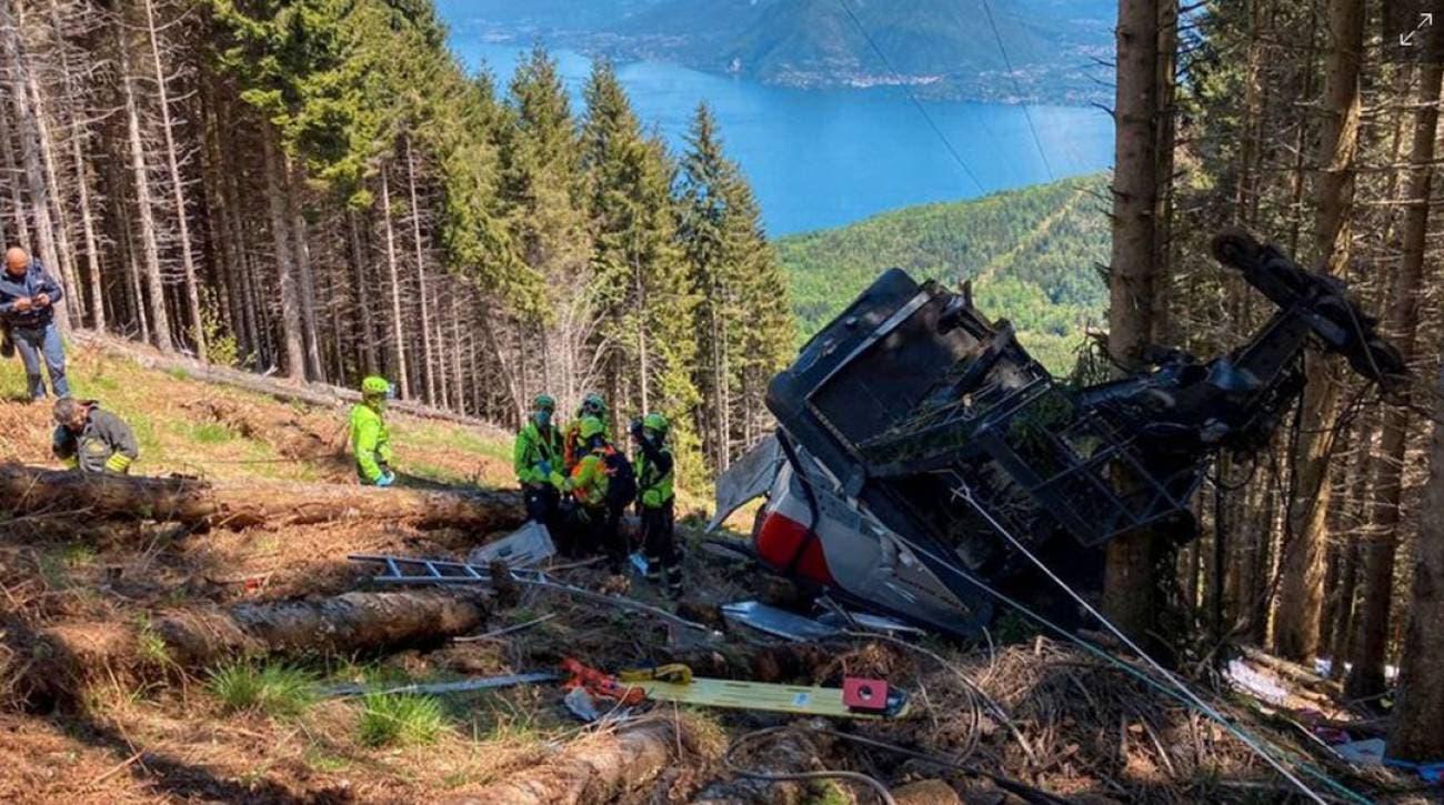 Salen de prisión los tres acusados por el desastre del teleférico en Italia