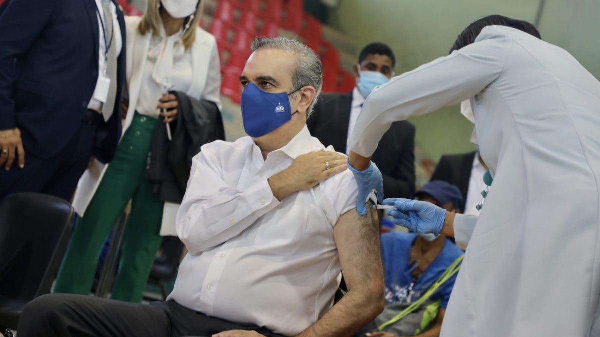 Luis Abinader: «Estamos planificando abrir la vacunación de manera general a partir del lunes»