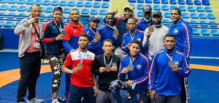 Lucha gana diez medallas en campeonato Panam