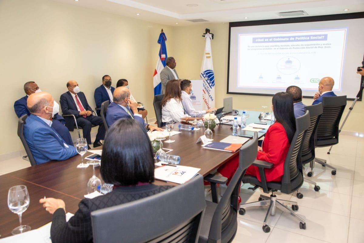 Primera Dama se reúne con ejecutivos del Gabinete de Política Social